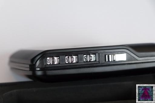 ÖGON Designs Code Wallet With TrackR (2)