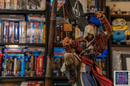 Assassins Creed IV Black Flag Buccaneer Edition Edward Kenway Statue
