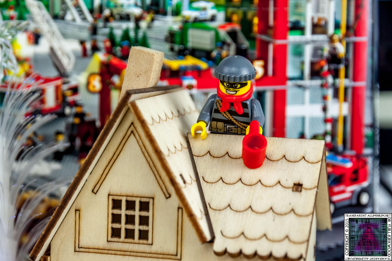 LEGO City Advent Calendar 2015 - Day 06 (3)