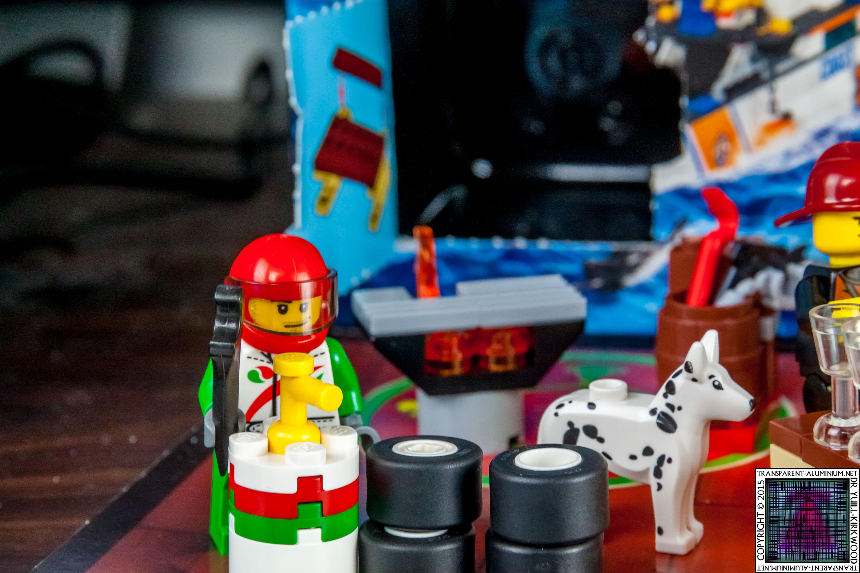 LEGO City Advent Calendar 2015 - Day 16 (2)