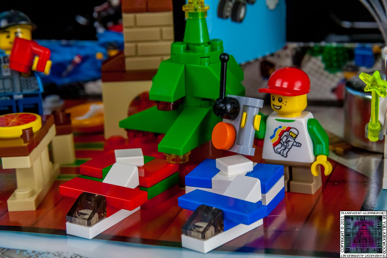 LEGO City Advent Calendar 2015 - Day 19 (2)