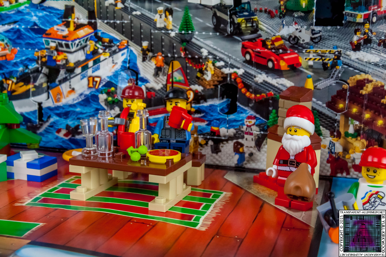 LEGO City Advent Calendar 2015 - Day 24 (2)