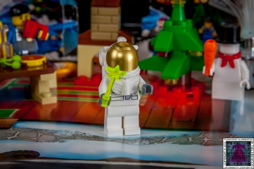 LEGO City Advent Calendar 2015 - Day 13 (2)