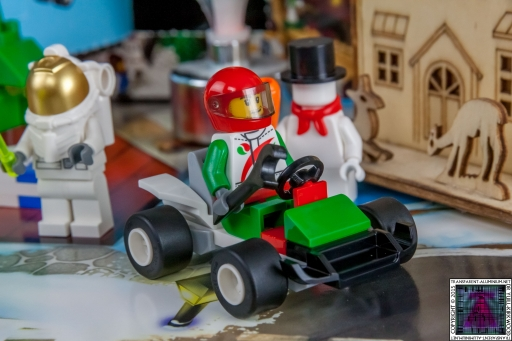 LEGO City Advent Calendar 2015 - Day 17 (2)