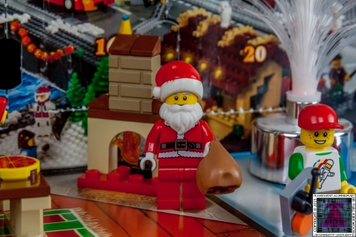 LEGO City Advent Calendar 2015 - Day 24 (1)
