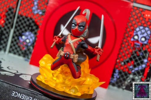 Qmx Deadpool Figure (5)