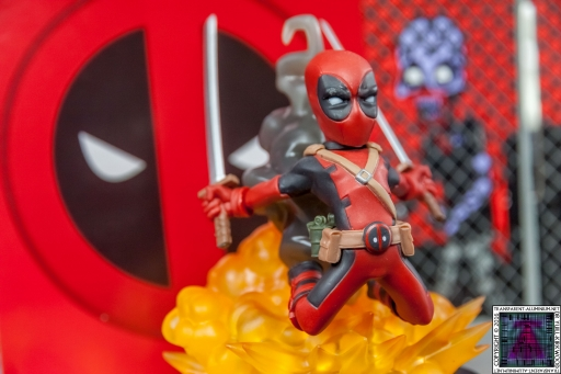 Qmx Deadpool Figure (7)