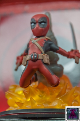 Qmx Deadpool Figure (8)