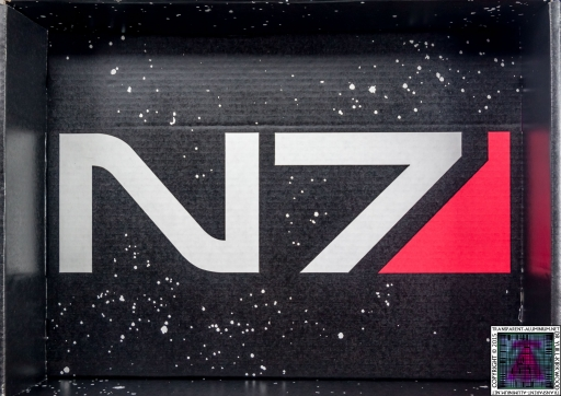 Loot Crate - Mass Effect N7 Box Art