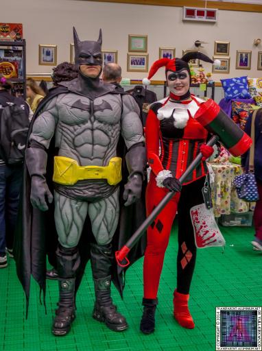 Batman and Harley Quinn at Screen-Con 2014