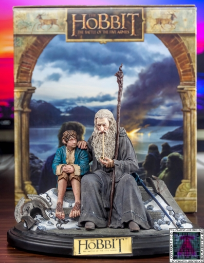 Gandalf and Bilbo Silent Reflection Statue (2)