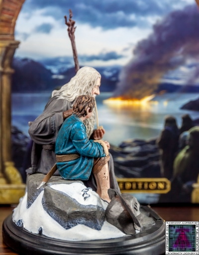 Gandalf and Bilbo Silent Reflection Statue (6)
