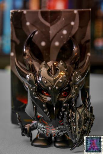 The Elder Scrolls V Dark Elf in Daedric Armor Vinyl Figure Symbiote Studios