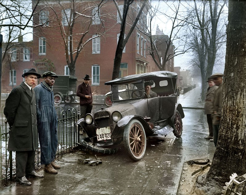 A car crash in Washington D.C. around 1921
