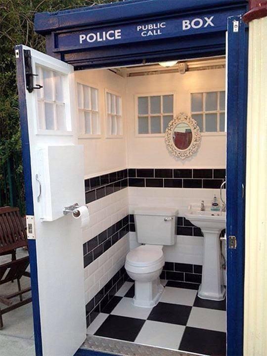 TARDIS Toilet