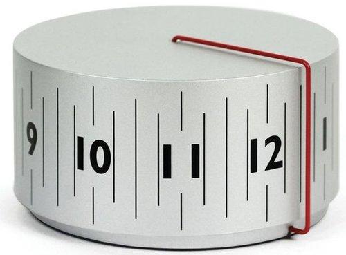 weird-clocks-cylinder