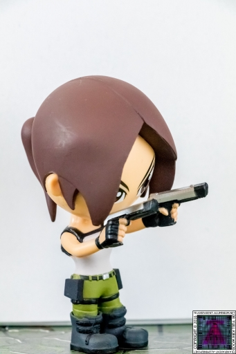 Lara Croft Vinyl Figure (4)