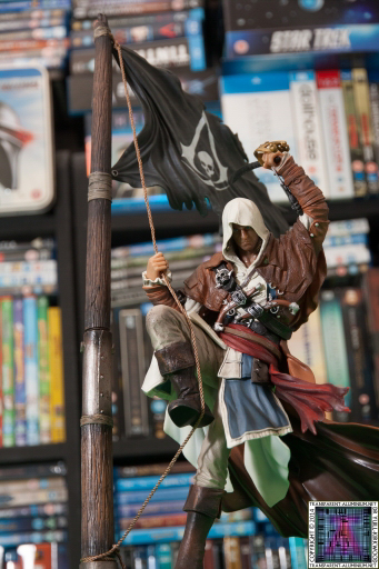 Assassins Creed IV Black Flag Buccaneer Edition Edward Kenway Statue