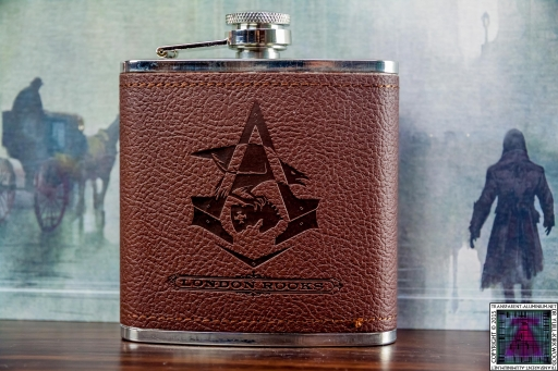 Assassin's Creed Syndicate Hip Flask (1).jpg