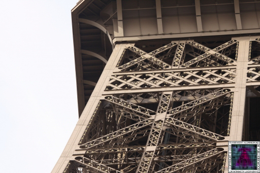 Eiffel Tower Bace