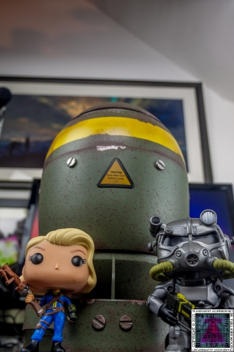 Fallout Mini Nuke Lone Wanderer Brotherhood of Steel (3).jpg