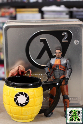 Gordon Freeman, a Combustible Lemon, and Lamarr the Headcrab