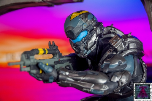 Halo 5 Guardians Locke Statue (2).jpg