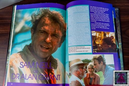 Jurassic Park The Official Annual (2).jpg