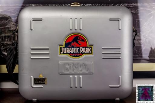 Jurassic Park VHS Collector's Edition Case (1).jpg