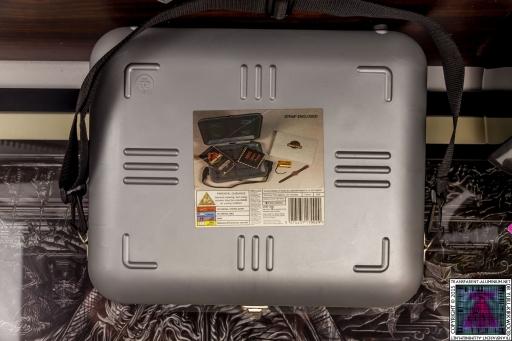 Jurassic Park VHS Collector's Edition Case (2).jpg