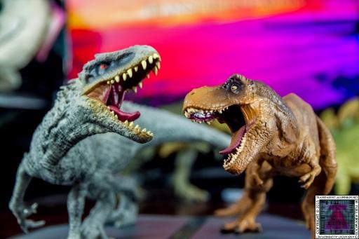 Jurassic World Blu-ray Collector's editions (1).jpg