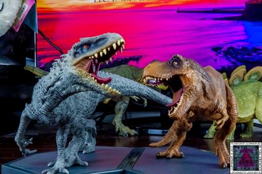 Jurassic World Blu-ray Collector's editions (2).jpg