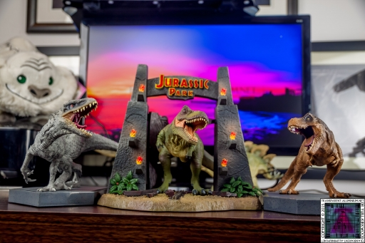 Jurassic World and Jurassic Park Blu-ray Collector's editions (2).jpg