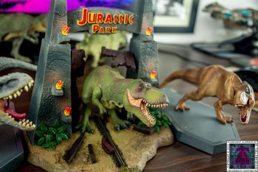 Jurassic World and Jurassic Park Blu-ray Collector's editions (3).jpg