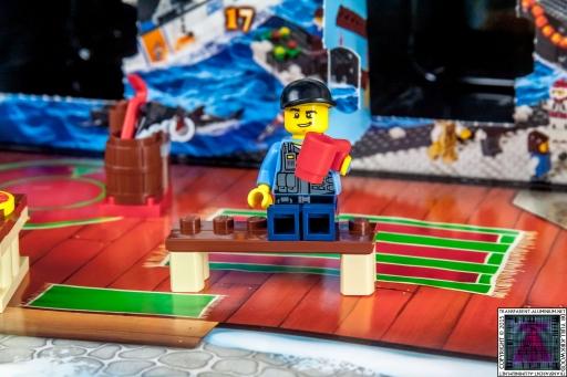 LEGO City Advent Calendar 2015 - Day 09 (1)