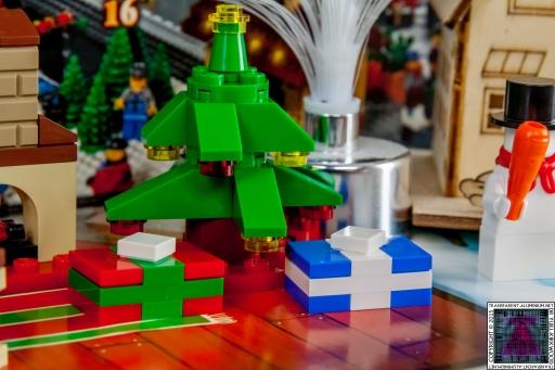 LEGO City Advent Calendar 2015 - Day 14 (2)