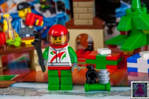 LEGO City Advent Calendar 2015 - Day 15 (1)