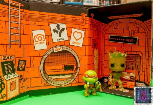 Loot-Crate-August-2014-Heroes-4