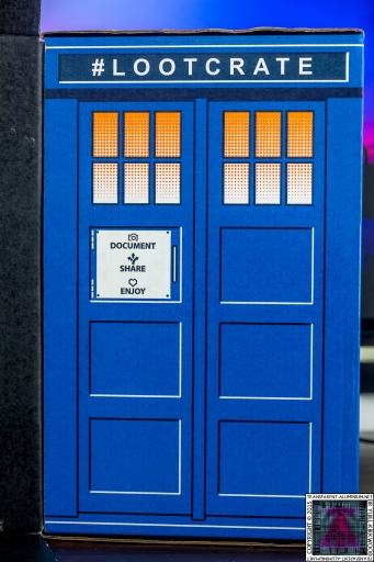 Loot Crate - Doctor Who Limited Edition TARDIS Box Art (1)