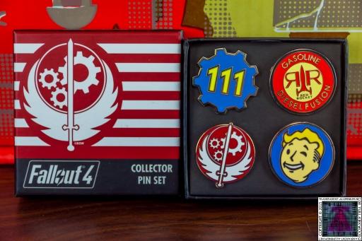 Fallout 4 Collectors Pin Set (2).jpg
