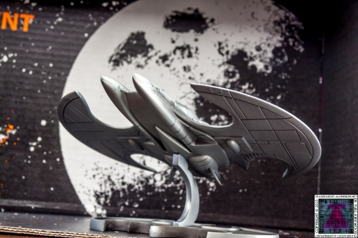Batman Batwing Metal Replica (13)