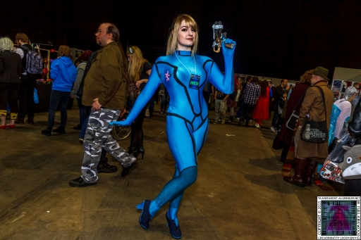 Comic-Con Cosplay Metroid Samus (1).jpg