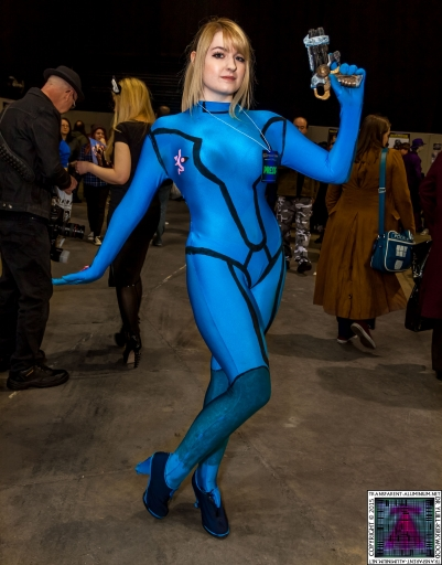 Comic-Con Cosplay Metroid Samus (2).jpg