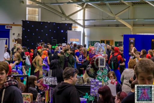 Crowds at Screen-Con 2014