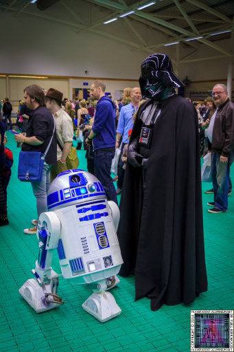 Darth Vader with R2-D2 at Screen-Con 2014
