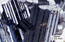 plagioklasz_fp_mikroszkóp alatt