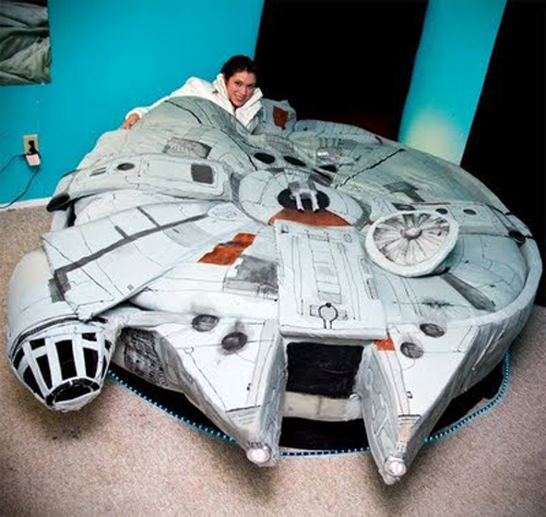 Millenium Falcon Bed