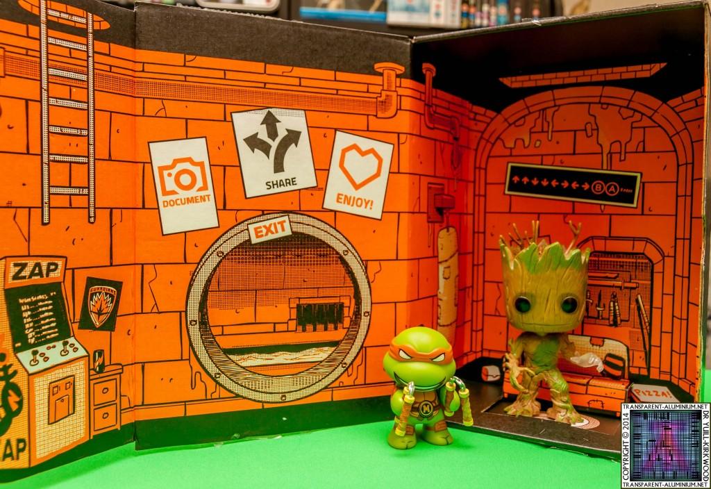 Loot Crate - August 2014 Heroes (4)