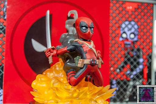 Qmx Deadpool Figure (10) 512