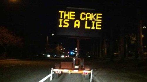sign-hacks-cake
